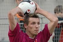 Hráč prvoligových Českých Budějovic Petr Šíma stále sleduje výsledky Kouta na Šumavě a dalších klubů z Domažlicka.