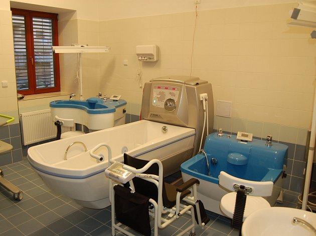Dům se zvláštním režimem má moderní vybavení, které personálu usnadní péči o klienty.