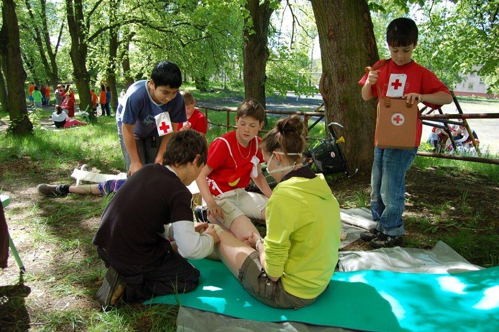 Z oblastního kola soutěže hlídek mladých zdravotníků
