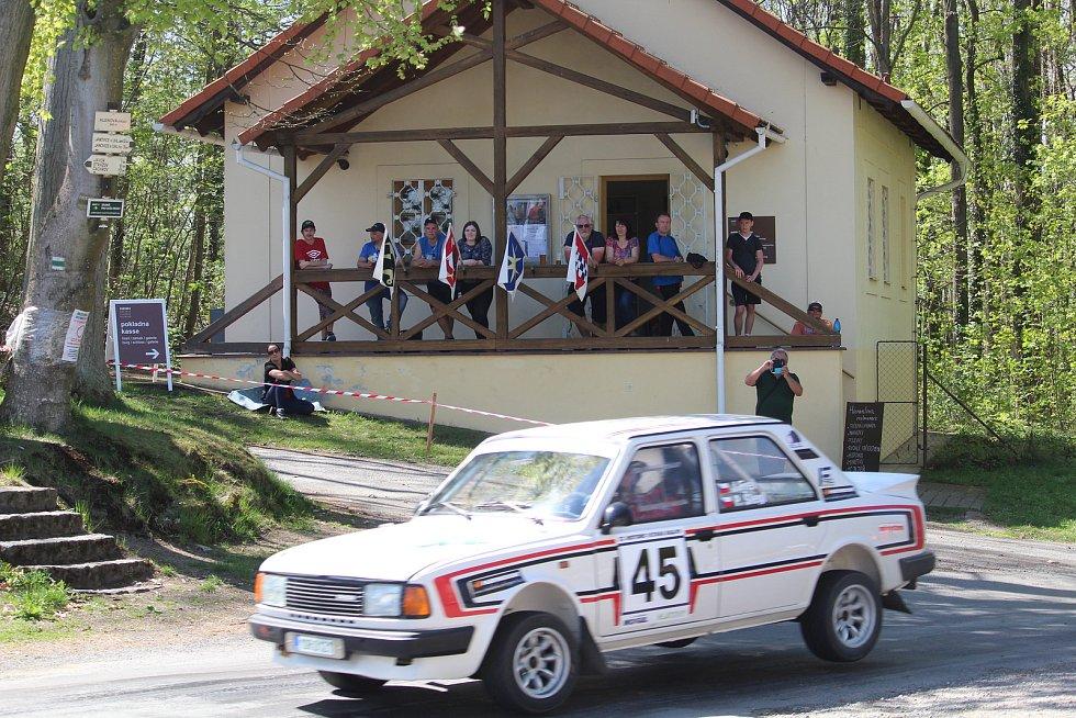 Koutský Jan Frei s Petrem Šleglem na trati Historic Vltava Rallye 2018.