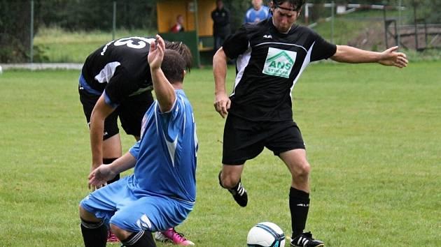 Z derby I. B třídy mezi fotbalisty Startu Tlumačov A a TJ ZD Meclov A.
