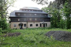 Původně hotel, později zotavovna ROH na Vavřinečku.