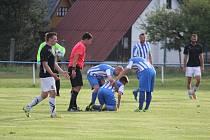 Staňkov na kolenou? Stejně jako jeho hráč Denis Drudík se z nich po zisku dvou bodů v neděli proti Bolevci (3:3, na penalty 4:2) snad zvedne. Nyní ho v nejvyšší krajské fotbalové soutěži čeká okresní derby s Meclovem.