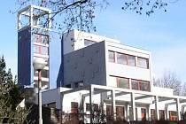 Kostel v Hánově parku.