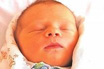 Miminka narozená na přelomu června a července.