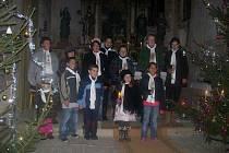 Zpívání koled v mutěnínském kostele.