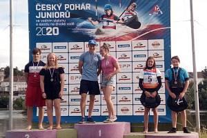 Nejlepších výsledků ze Sedmičky dosáhla na národních kontrolních závodech v Roudnici nad Labem Markéta Hojdová, která si vybojovala ve své kategorii medaili jak v individuálním závodě, tak ve dvojicích s Michalem Kopečkem.