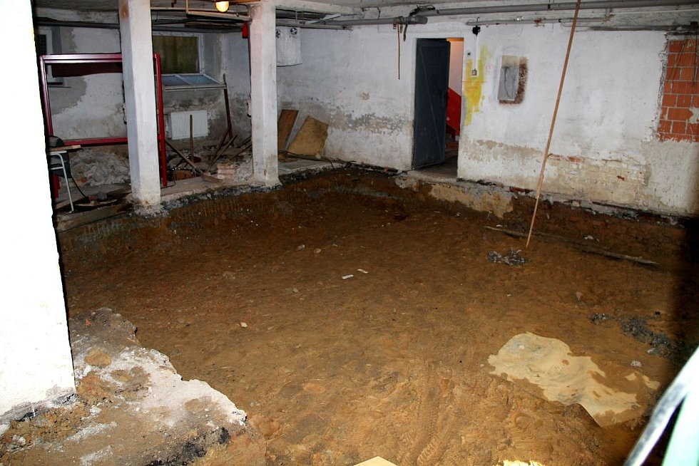 Dílny mrákovské školy se rodily přes rok z prostor bývalé uhelny.