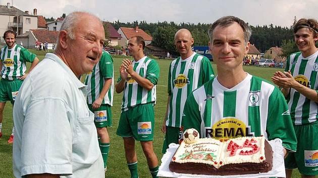 Známý herec Ivan Trojan oslavil v Krchlebech pětačtyřicáté narozeniny.