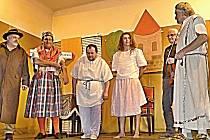 Ochotníci z Pasečnice zakončili letošní sezónu v jednom z plzeňských divadel.