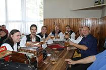Spáňovskou hospodu v sobotu zaplnili fanoušci harmonik.