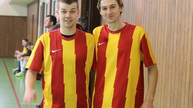 Klatovská fotbalová naděje a posila FC Mnichov 2001 Ondřej Kadlec a nejlepší střelec Zimní ligy Deníku Martin Šinál.