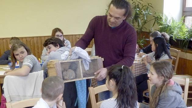 Mladí chovatelé z celého kraje se zúčastnili i přednášek o jednotlivých druzích chovaných zvířat