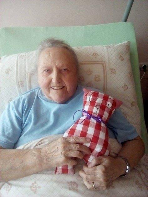 Babičky měly zpolštářků obrovskou radost.