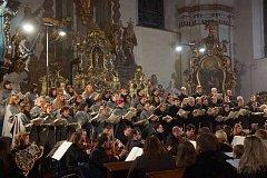 Nedělní provedení Haydnova oratoria Stvoření v domažlickém kostele.