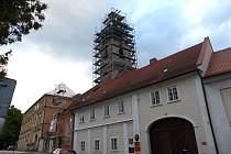 Sledujeme opravy kostela sv. J. Nepomuckého.