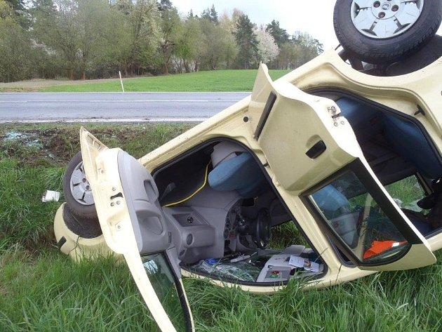 Nehoda u Březí.