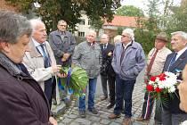 Pietní akt u pomníku Josefa Hubáčka.