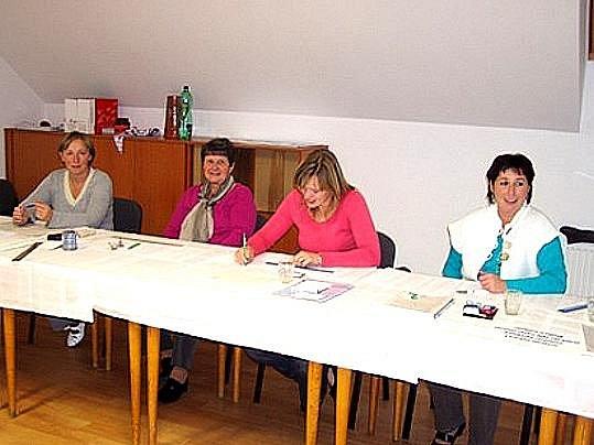 K této volební komisi v Újezdě přišlo 186 občanů.