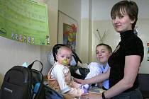 Čekárny se plní malými i velkými pacienty, kteří trpí vyrózou.