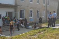 Policisté kontrolovali ubytovny v Holýšově.