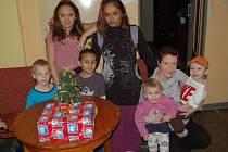 V DOMOVĚ pro matky s dětmi v tísni v Havlovicích už jsou na Vánoce připraveni.