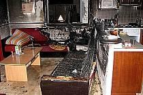 Takto dopadla po požáru obytná kuchyně.