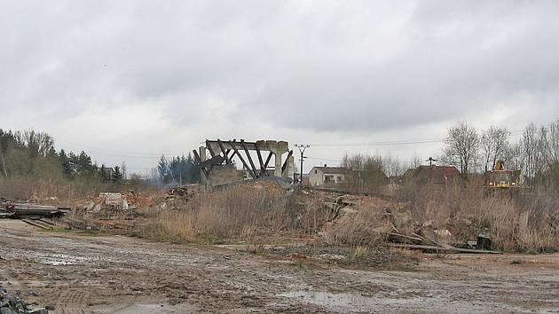 Dnes je objekt připravený například pro stavbu rodinných domů. Musí se ale změnit územní plán města.