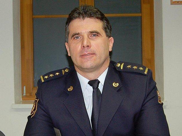 Ředitelem Územního odboru HZS Plzeňského kraje v Domažlicích je Ing. plukovník Václav Petržík.