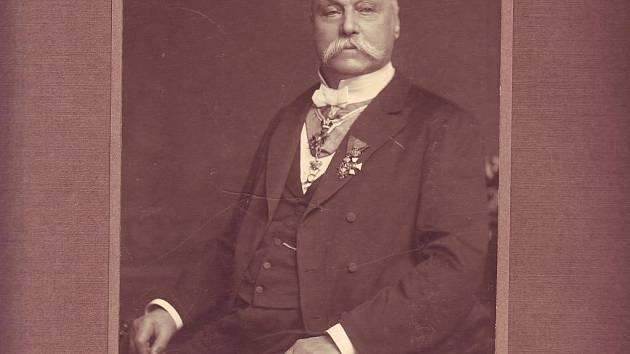 MUDr. Antonín Steidl.