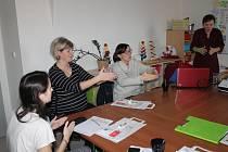 Z workshopu o znakování v centru UCHO.