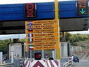 Řada našinců míří na dovolenou do Chorvatska. V řadě míst se kromě nápisů v místním i světových jazycích stále častěji objevují i ty české.