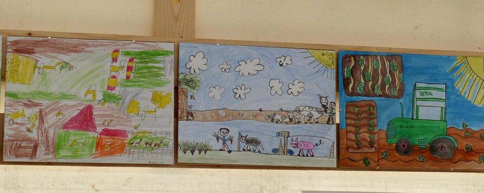 V Mrákově ocenili zemědělci nejšikovnější kreslíře.