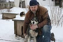 Radek Heller z Klenčí pod Čerchovem se svými psy.