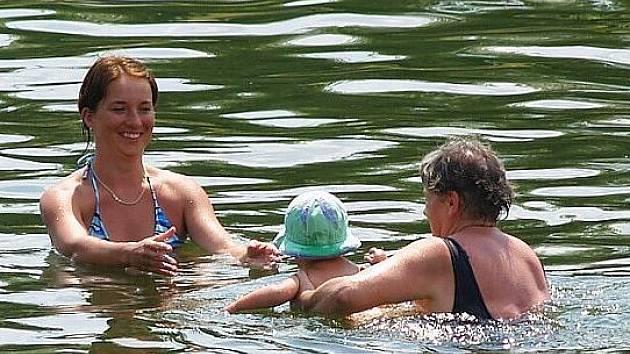 Koupaliště na Domažlicku jsou podle posledních rozborů vody bezpečná.