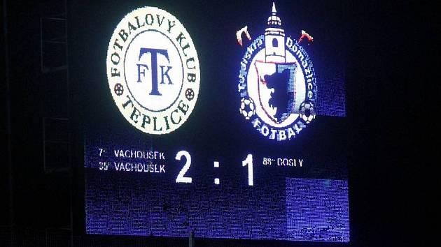 Archivní snímek z roku 2012, kdy třetiligová Jiskra Domažlice poprvé pronikla až do osmifinále Poháru České pošty, v němž se utkala s prvoligovým FK Teplice.