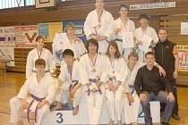 OBSADILI STUPNĚ VÍTĚZŮ. Borci pořádající Jiskry Domažlice získali na domácím Chodském poháru řadu medailí.