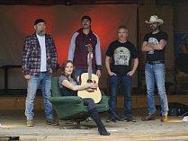 Lenka H. Štarmanová & K Band, jedni z několika účinkujících, kteří se rozhodli podpořit dobrou věc.