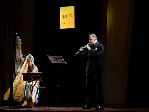 V MKS se představili harfenistka Kateřina Englichová a hobojista Vilém Veverka.