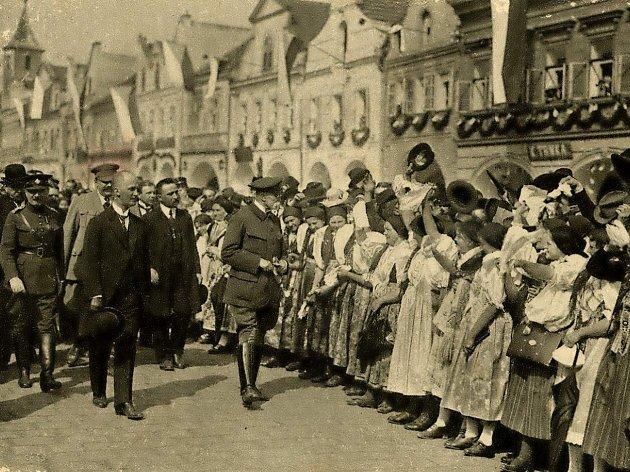 PRVNÍ PREZIDENT, KTERÝ ZAVÍTAL DO DOMAŽLIC. Byl jím 2. května 1923 Tomáš Garrigue Masaryk.