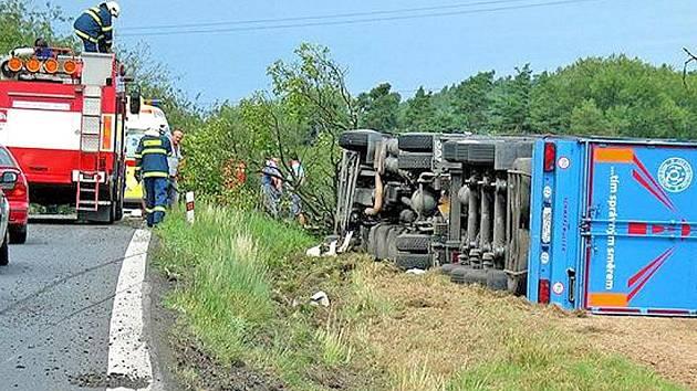 Nehoda kamionu. Foto: Zdeněk Mleziva