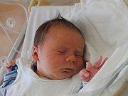 MATĚJ MARÁCZI z Bělá nad Radbuzou (3240 g a 49 cm) se narodil 15. května v Domažlicích mamince Janě a tatínkovi Lukášovi.