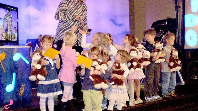 Odvážní zpěváčci byli za své výkony odměněni.