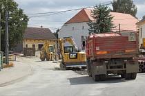Hlavní silnice v Koutě na Šumavě bude uzavřena do konce srpna.