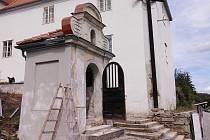 Oprava klášterní kapličky.