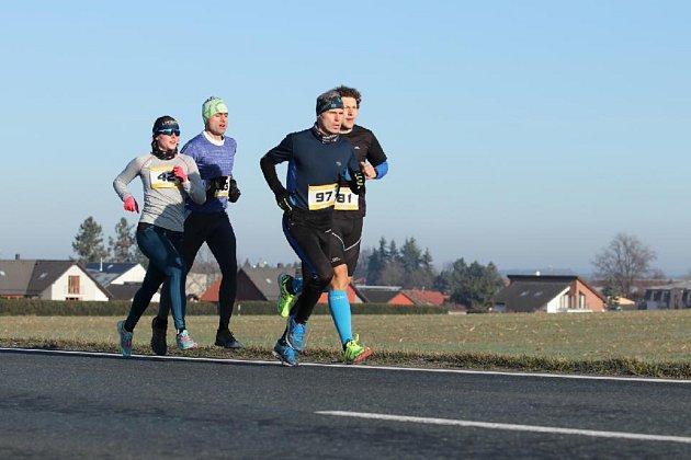 Vítězka závodu žen Jana Brantlová (sč. 42) vDraženově soupeřila snejlepšími veterány.