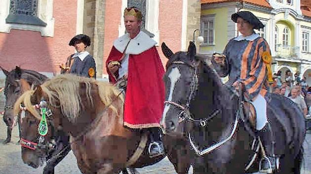 Svatováclavská jízda se zastaví opět na domažlickém náměstí