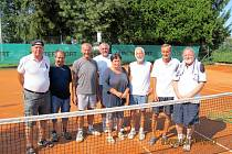 Účastníci a pořadatelé holýšovského turnaje.
