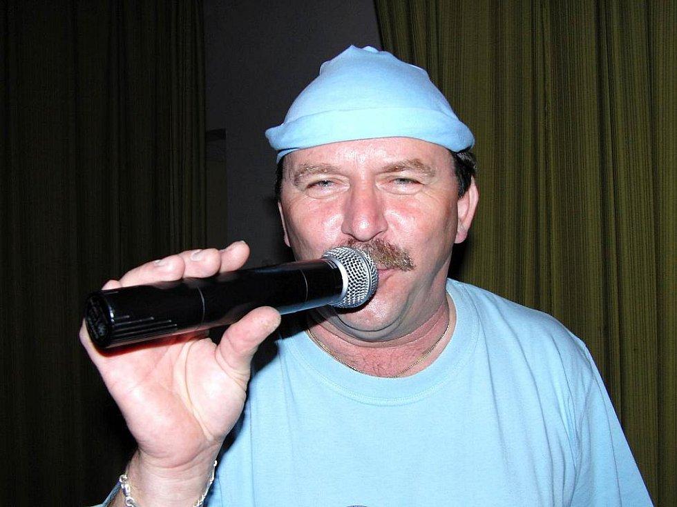 Jarda Hájek byl stylový a spolu s ním i ostatní muzikanti.