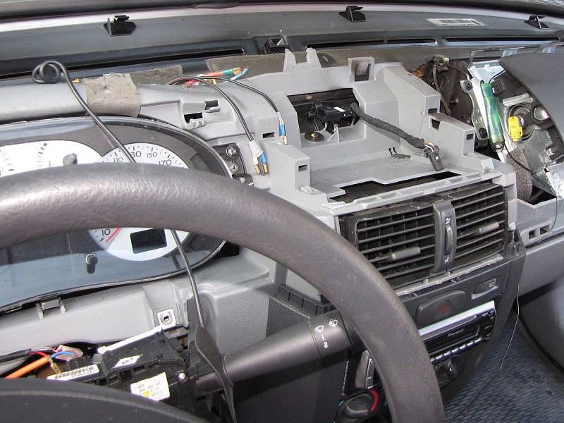 Vnitřek auta. Ilustrační foto.